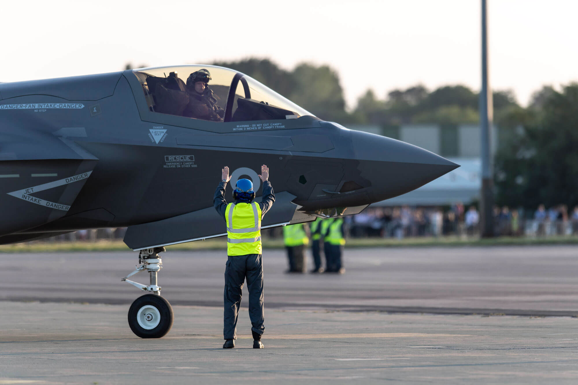 F 35 and pilot