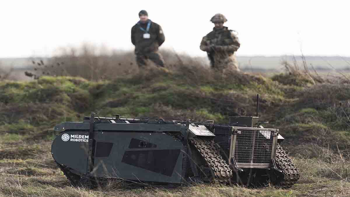 AWE 18 - Army Warfighting Experiment Exercise Autonomous Warrior DE&S