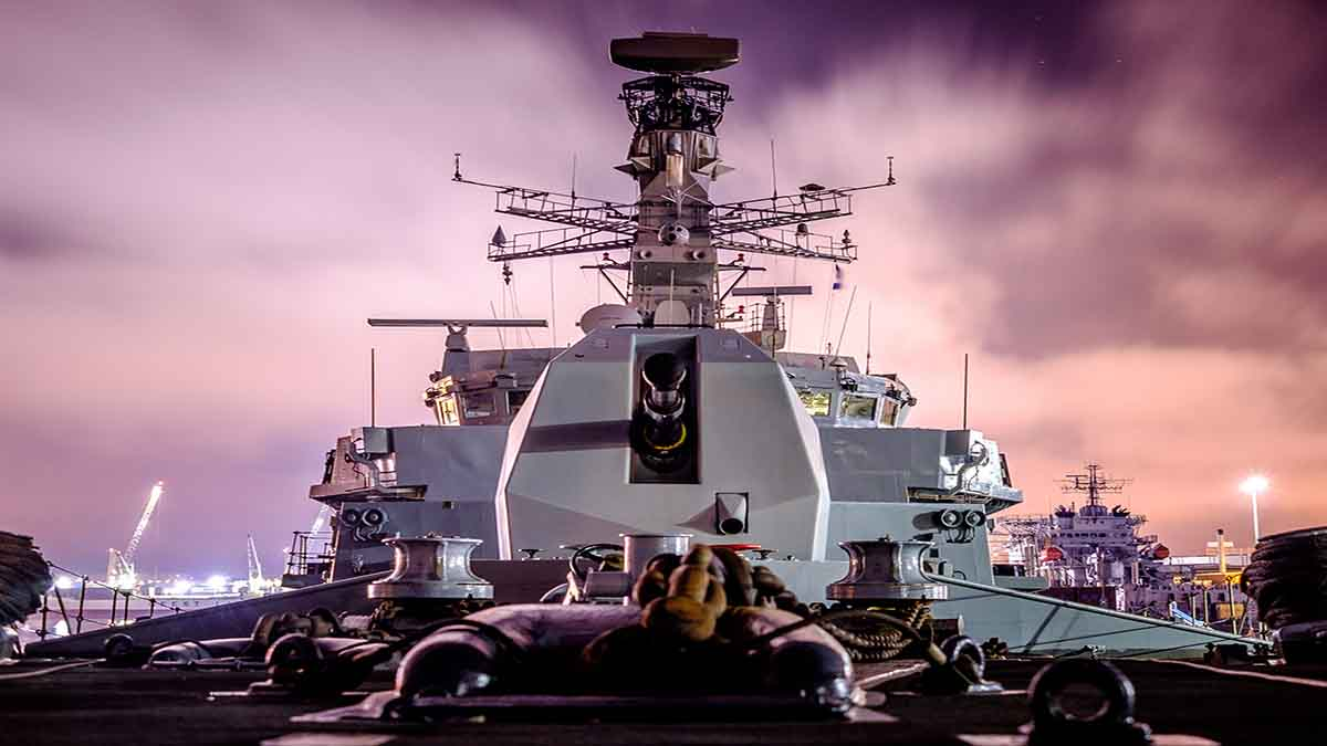 HMS St Albans Type 23 Defence Equipment and Support DE&S Royal Navy