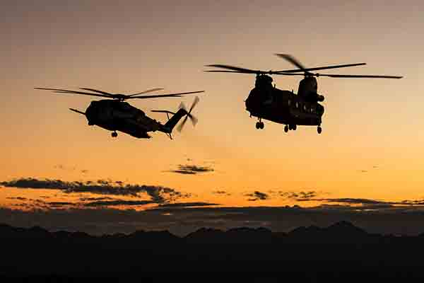RAF-CH-47-Chinook-US-Marine-Sea-Stallion-Defence-Equipment-Support-600x400