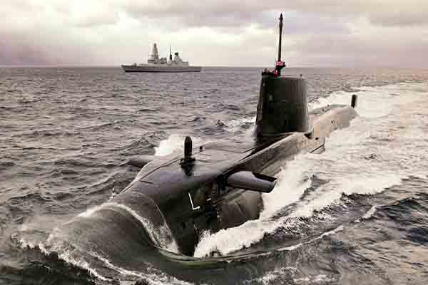 Royal-Navy-submarine-600x400