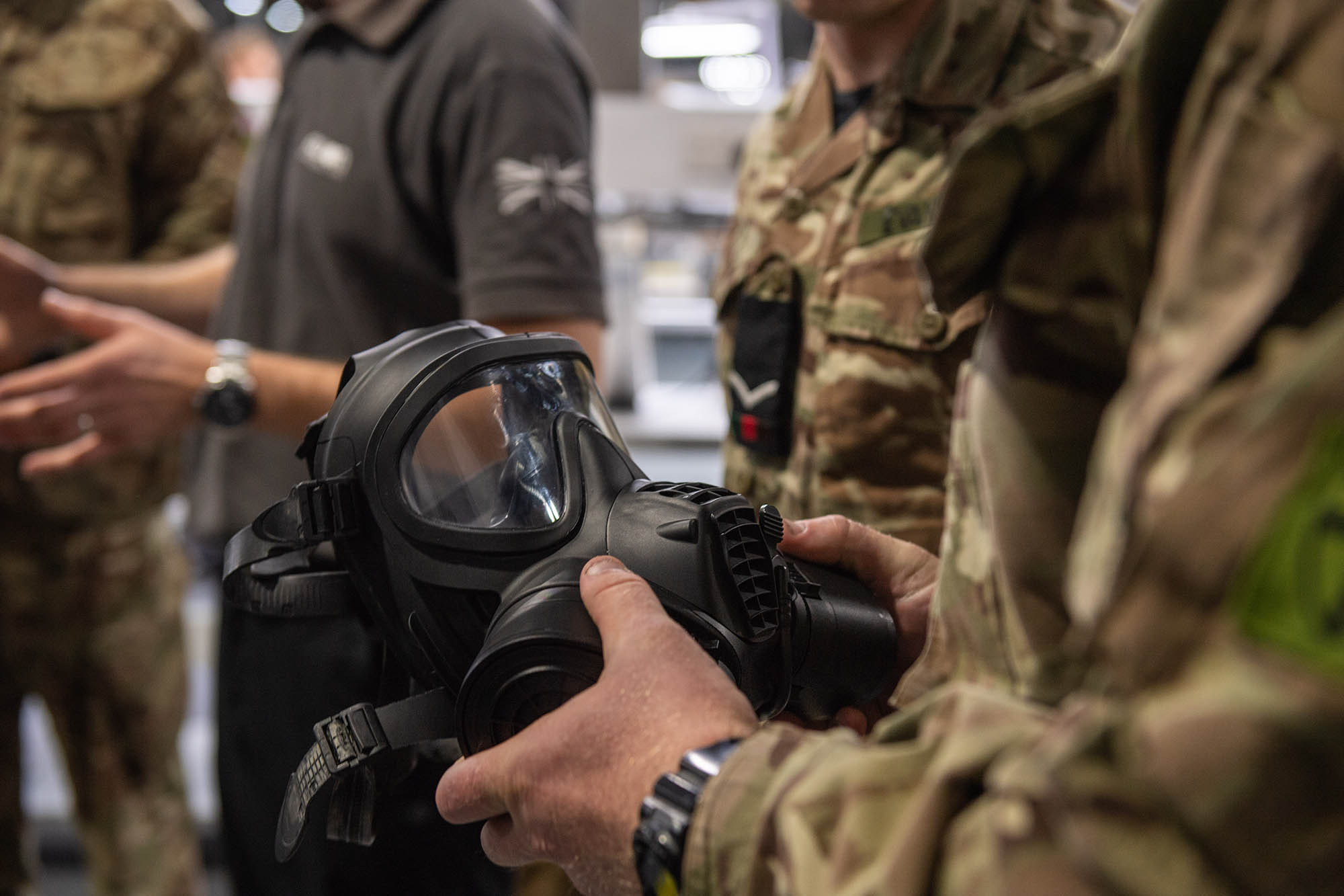 Avon-Protection-British-Army-Gasmask-gas-mask-Defence-Equipment-and-Support-DE&S