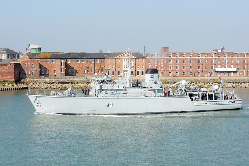 HMS-Quorn-DE&S-Defence-Equipment-and-Support