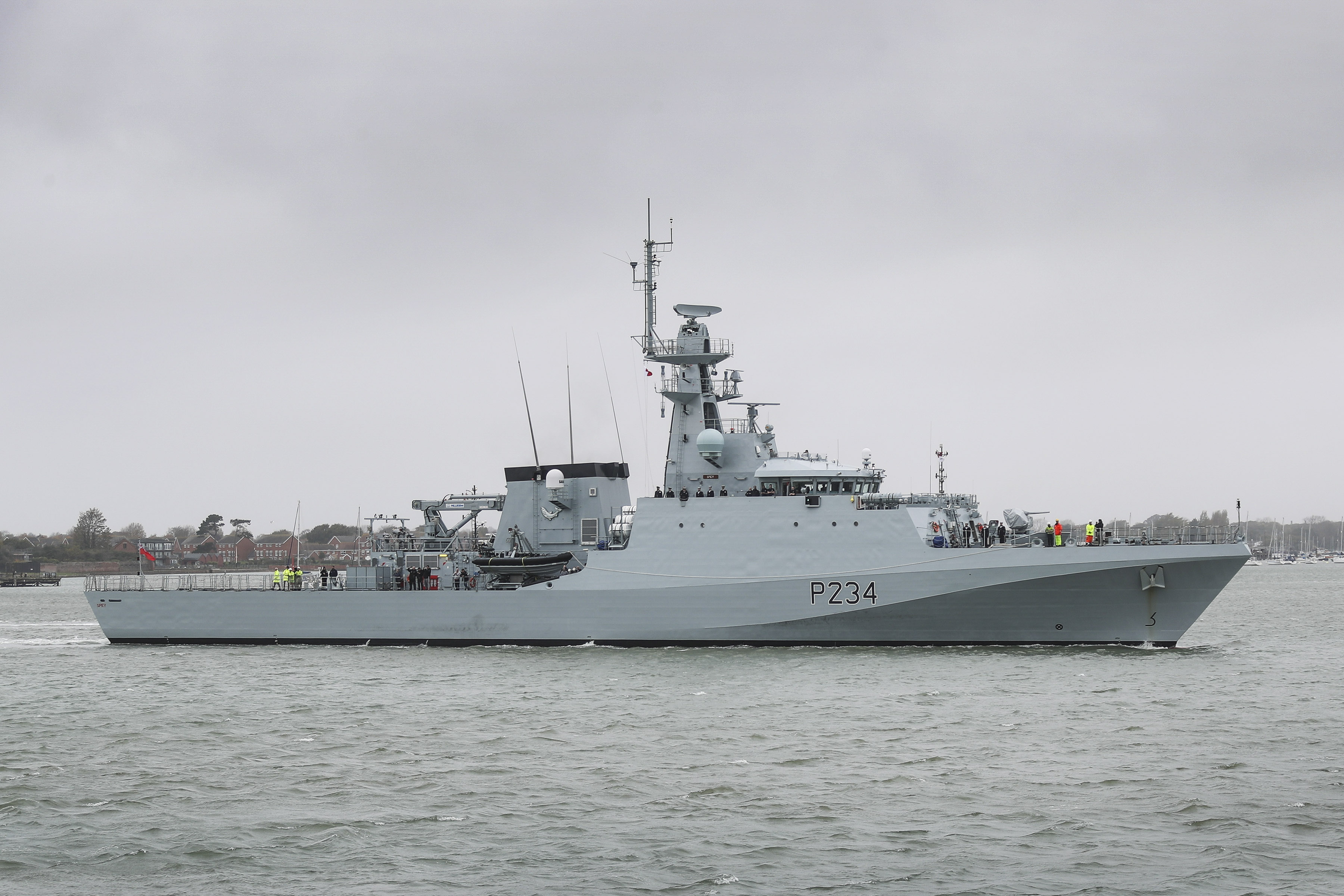HMS Spey arrives in Portsmouth dock